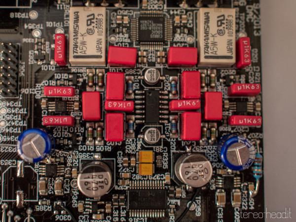 Lo stadio d'uscita analogico simmetrico con il chip dac