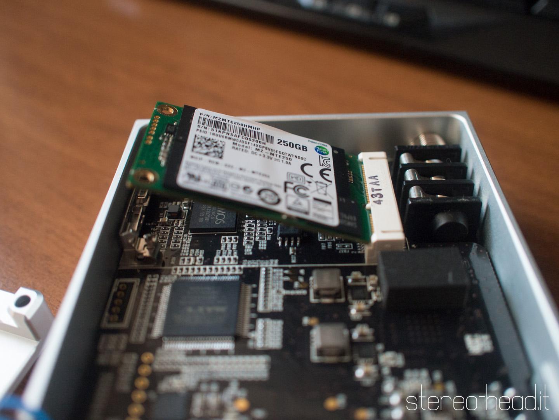 Ecco lo slot mSata con l'HD Samsung